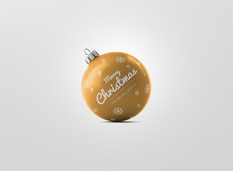 02_christmas_ball_mockup_2