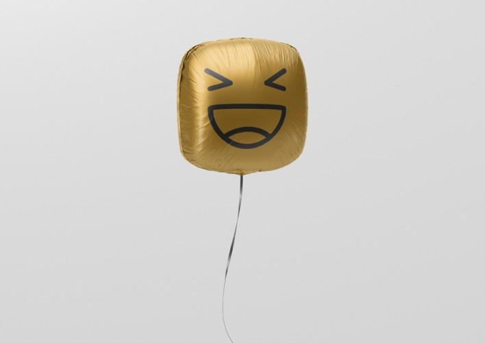 02_square_balloon_mockup_2