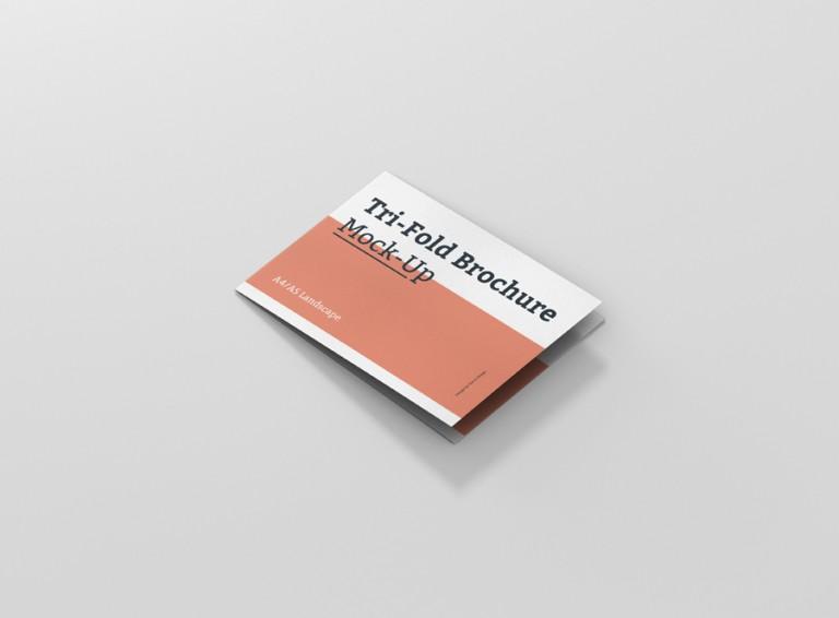04_trifold_brochure_mockup_a4_a5_side