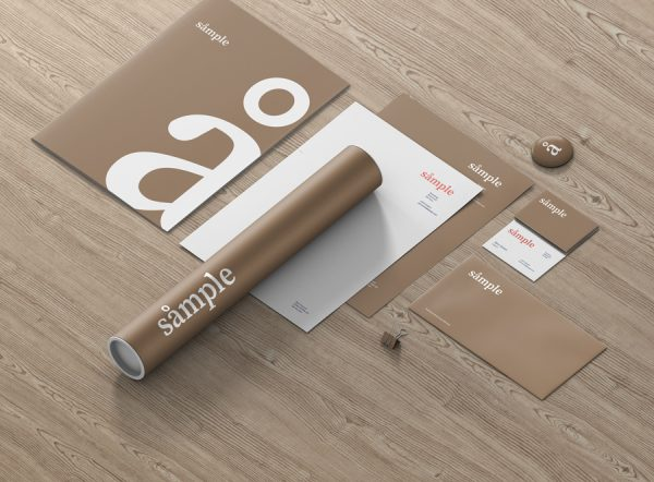 02_stationery_branding_mockup_scene_sideview_wood