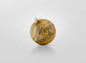 04_christmas_ball_mockup_4