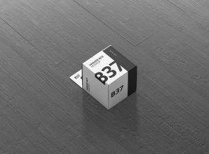 09_box_mockup_hanger_mini_square_side_2