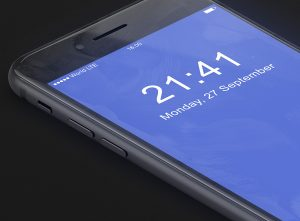 13_iphone_8_mockup_side_silver